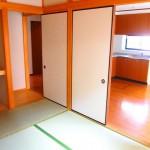 和室もキレイです。