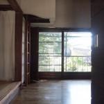 玄関から見た室内
