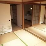 奥は6帖の和室が2部屋。