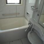 お風呂はきれいなユニットバス!