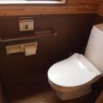 トイレ。またまたログハウス風