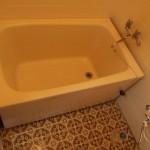 浴室。タイルがかわいい。