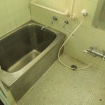浴室。今後クリーニング予定。