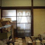和室。今は乾燥室のように使われています。