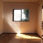 洋室にも陽がサンサンと!