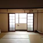 室内は奥に和室が2部屋の2K。