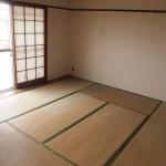 リビングの隣の和室。