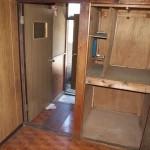 1階は収納とキッチン、和室が1部屋。