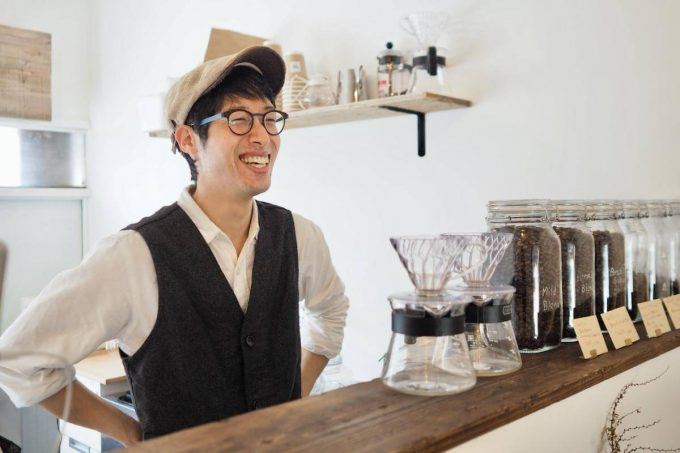 みのり台駅近くのカフェTokoa coffee池田和繁さん取材の様子
