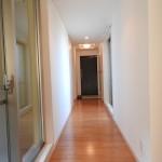 玄関廊下。