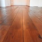 床はリボス塗料で仕上げています。