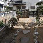 入り口裏のお庭