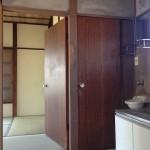 キッチンからの左側の和室