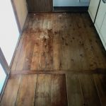 床は古材のような味わい