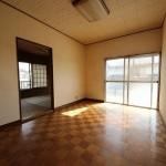 明るい2階洋室