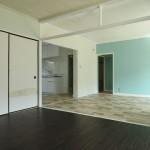 以前の入居者さんによって、南東側の2部屋はリノベーション済みです。(内装)
