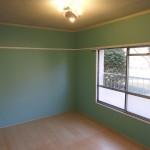北側のお部屋も、窓があるので明るい雰囲気です。(内装)