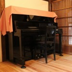 ピアノ。こちらもレンタル可能です。