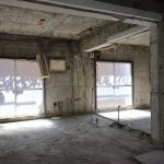 窓にうっすら映る蔦がgood(写真は3階)(内装)