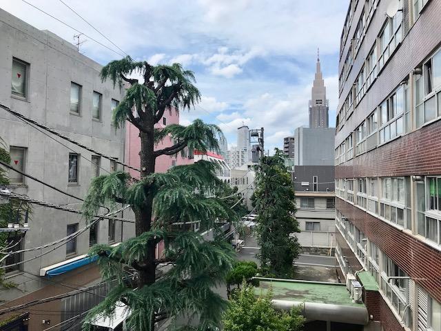 渋谷区・原宿駅近くのレトロ賃貸物件【事務所可】
