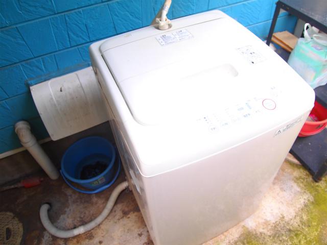 住民専用の洗濯機。