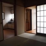 真ん中の和室からダイニングと玄関が繋がっています。