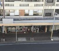 駅近商店街を上から眺める